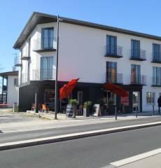 Acqs Hotel