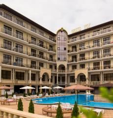 Hotel Grand Noy