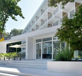 ibis Styles Golden Sands Roomer Hotel
